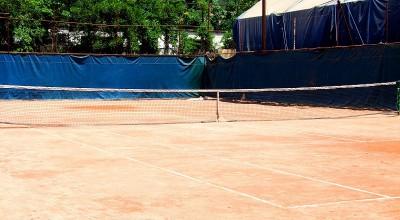 آکادمی تنیس سالنی کودکان و نوجوانان